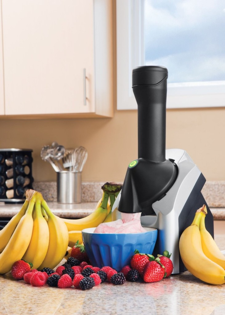 Yonanas product image on Amazon showing a strawberry and bananas combination.  I can tell you that the picture is accurate.  www.amazon.com/Yonanas-901-Deluxe-Cream-Silver/dp/B00532A6YK